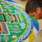 Cómo hacen los monjes los Mandalas de arena [Sand mandalas]