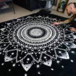 Mandalas con sal de cocina: Arte efímero