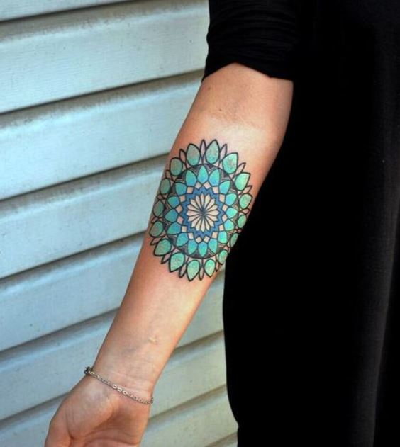 Tatuajes Detras Del Brazo mandala tatoo para hombre mujer, significados - mandalas