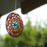 Mandalas en vidrio: Ideas novedosas pintadas a mano