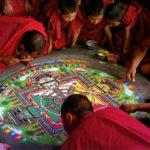 Cómo hacen mandalas los monjes budistas?